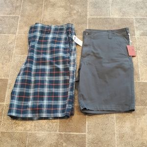 2 pairs of NWT men's size 42 flat front shorts